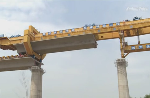 How are mega bridges built for China's high-speed railway