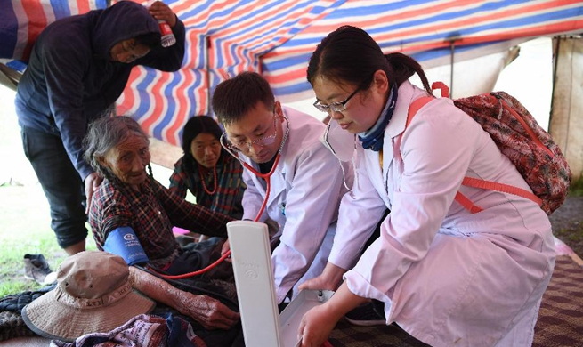 Medical team solves herders' difficulty in seeing doctor in NW China's Gansu