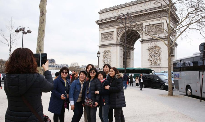 Xinhua Headlines: Europe poised to receive more Chinese tourists