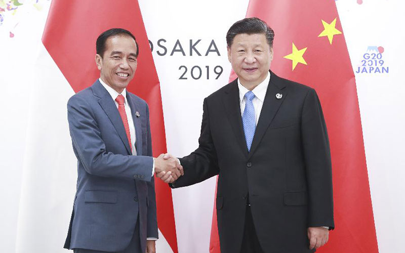 Xi meets Indonesian president on ties