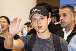 """Actor Tom Holland arrives in S.Korea to promote """"Spider-Man: Far From Home"""""""