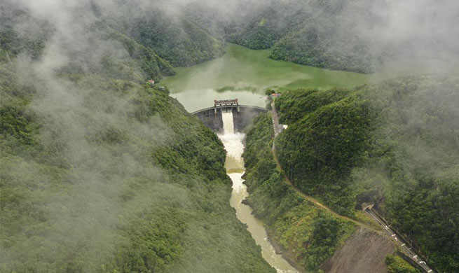 Jinxi Reservoir starts to discharge flood water in Zhejiang