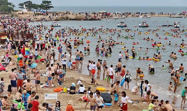 Seaside resort Beidaihe in China's Hebei enters busy tourism season