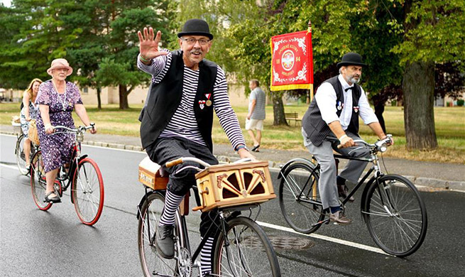 Cyclists celebrate 150th anniversary of first bike race in Czech city