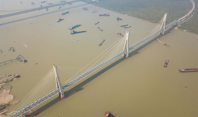 In pics: new bridge over Dongting Lake on Haoji Railway line in C China's Hunan