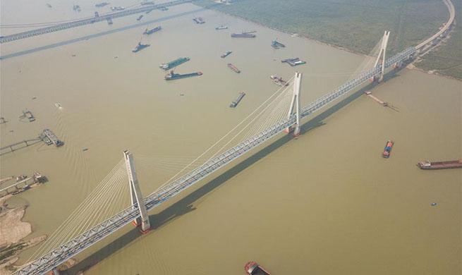 In pics: new bridge over Dongting Lake on Haoji Railway line in C China's Hunan