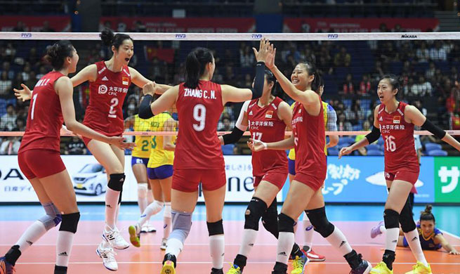 Leaders China, United States fight hard for 3-2 win, to meet on Monday