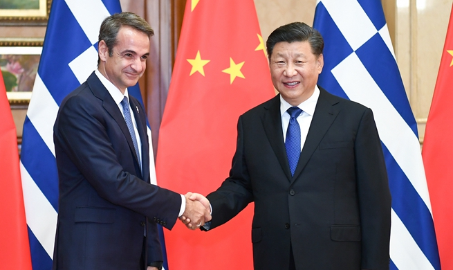 Xi meets Greek PM