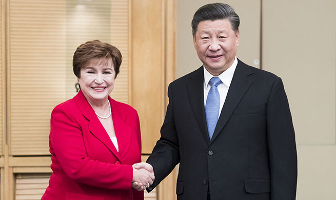 President Xi meets IMF chief to advance cooperation