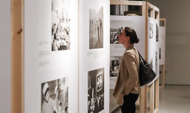 Photo show opens in Berlin to mark 70th anniversary of PRC's founding