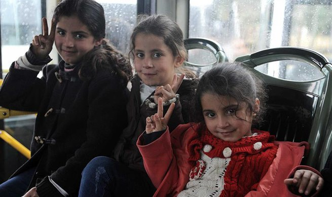 1,400 Syrian refugees return home from Lebanon