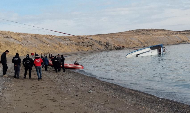 7 killed as migrant boat sinks in Turkey's Lake Van
