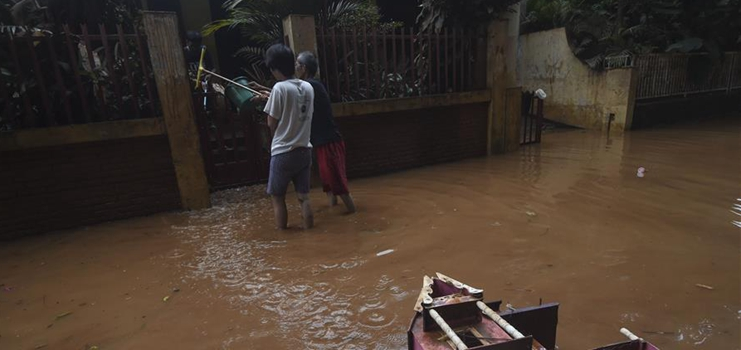 Death toll in Indonesia's capital floods rises to 43, 390,000 displaced