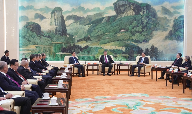 Xi Focus: Xi gathers with non-Communist party leaders, personages ahead of Spring Festival