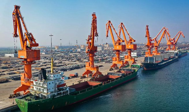 China's economy expands 6.1 pct in 2019