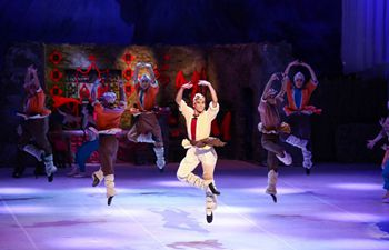 Japan's Matsuyama Ballet Troupe cheer China up with Chinese slogans and national anthem