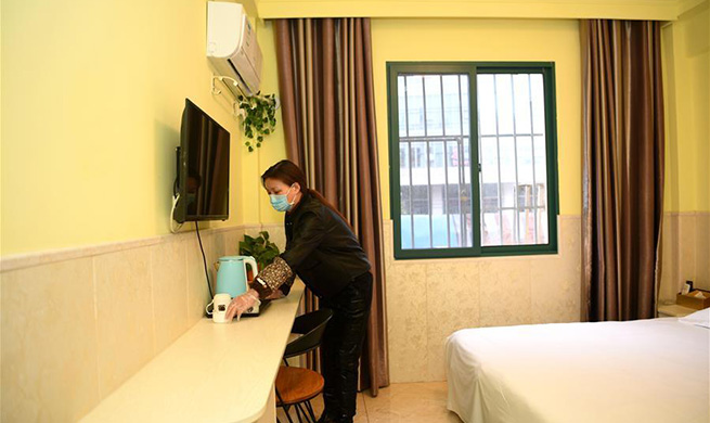 Hotel provides free rooms for frontline health workers in Hefei, Anhui