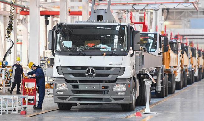 Enterprises resume production in orderly manner under strict prevention measures