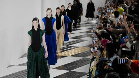 Paris Women's Fashion Week: LOEWE's F/W 2020-2021 Ready-to-Wear collections