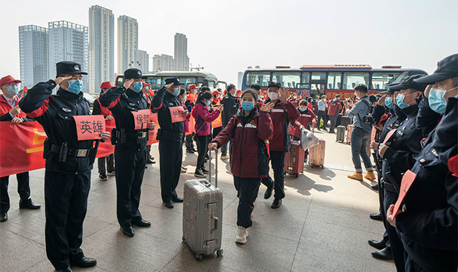 Xinhua Headlines: Medical assistance teams leave hard-hit Hubei as epidemic wanes