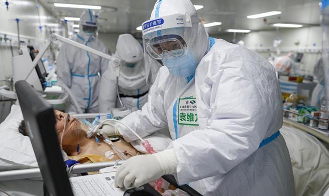 Pic story of Yuan Weifang, an experienced ICU nurse at Leishenshan Hospital