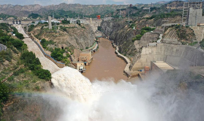 Liujiaxia reservoir in upper stream of Yellow River raises discharge volume to battle flood