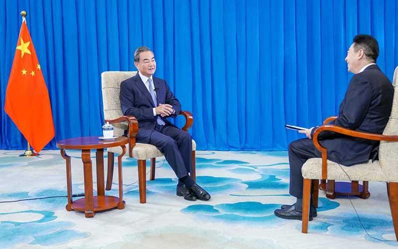 Xinhua Headlines: China to make cool-headed, sensible response to U.S. impulsive moves, anxiety: FM