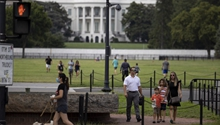 Roundup: U.S. media, public divide over government performance amid pandemic, protests