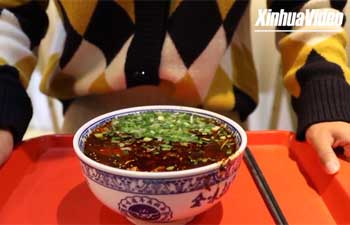 Vlog: Explore the flavor of NW China: Lanzhou hand-pulled noodles!