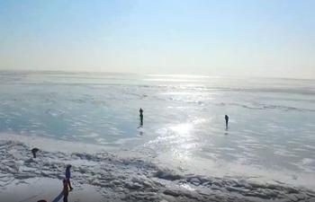 Splendid ice raft formed on China-Russia border lake