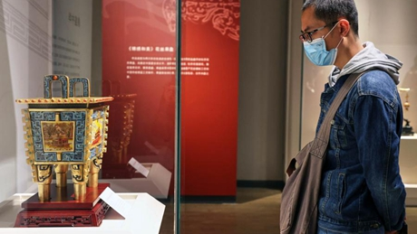 Exhibition of intangible heritages, artisan art held in Hainan Museum