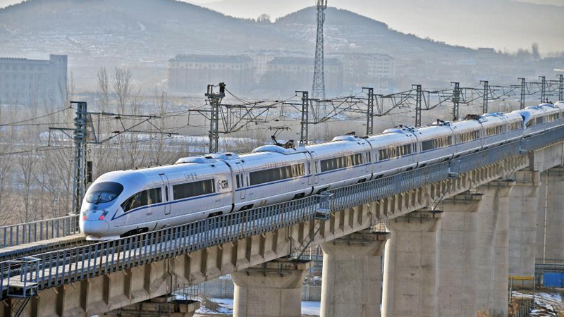China to implement new railway operating plan