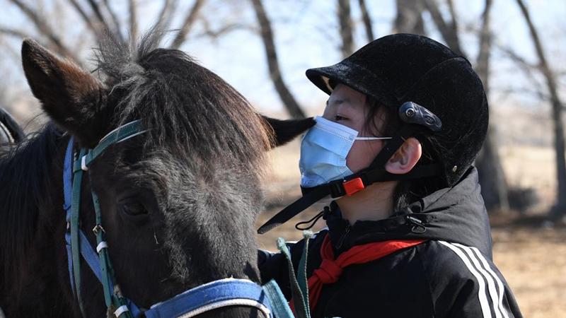 Xinjiang's Burqin County offers equestrian class in schools