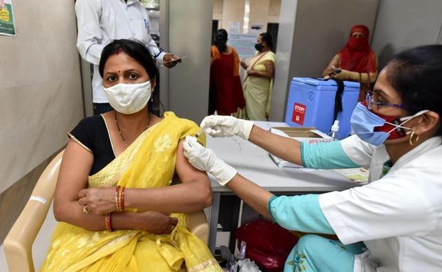 India's states flag COVID-19 vaccine shortage