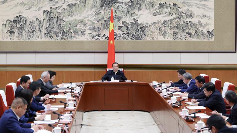Chinese premier stresses consolidating stable growth momentum