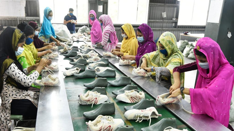 Feature: Chinese shoemaker brings jobs, better life to Bangladeshi villagers