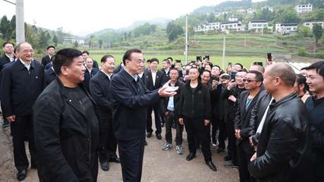 Chinese premier urges consolidating growth momentum, ensuring people's livelihood