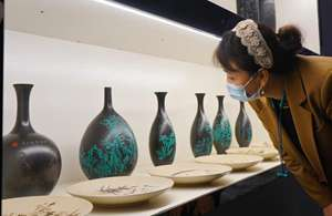 N China's county guides locals to develop black pottery industry