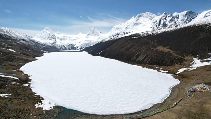 Scenery of Sapukonglagabo Mountain in Nagqu, China's Tibet