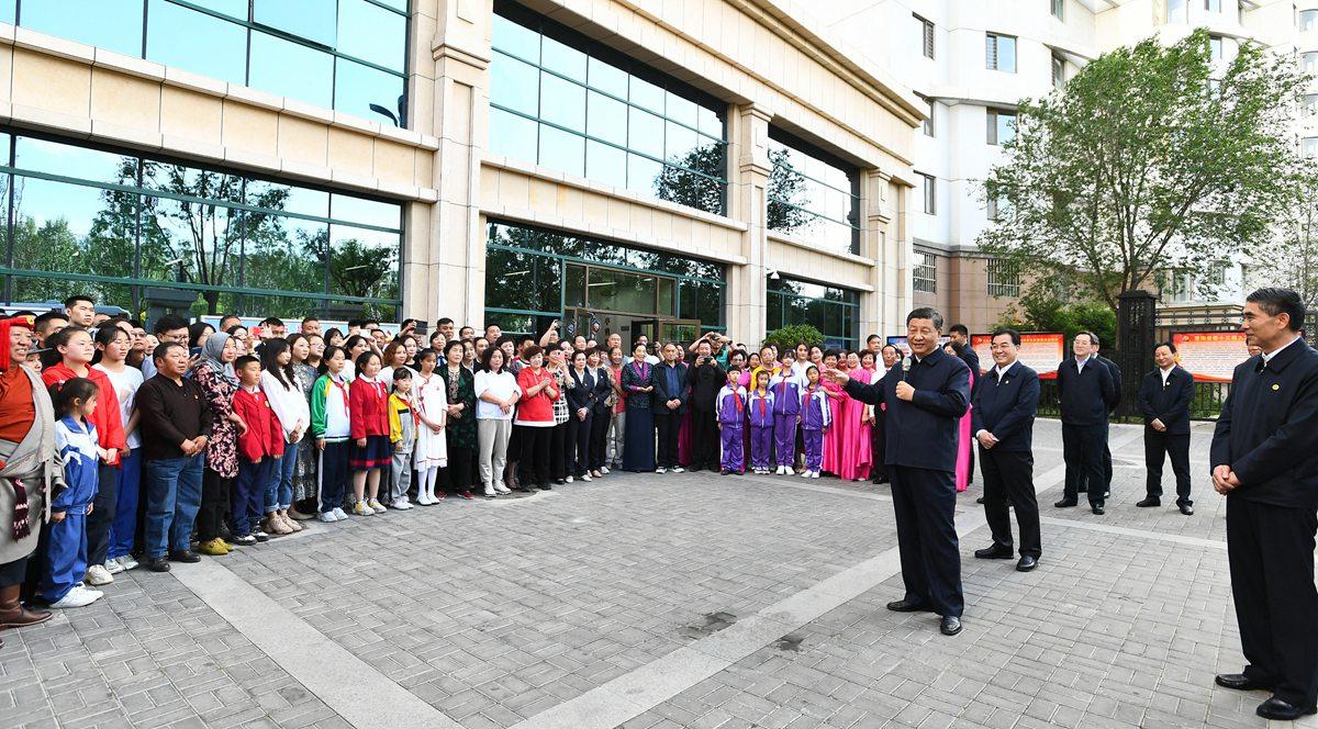 Xi inspects northwest China's Qinghai