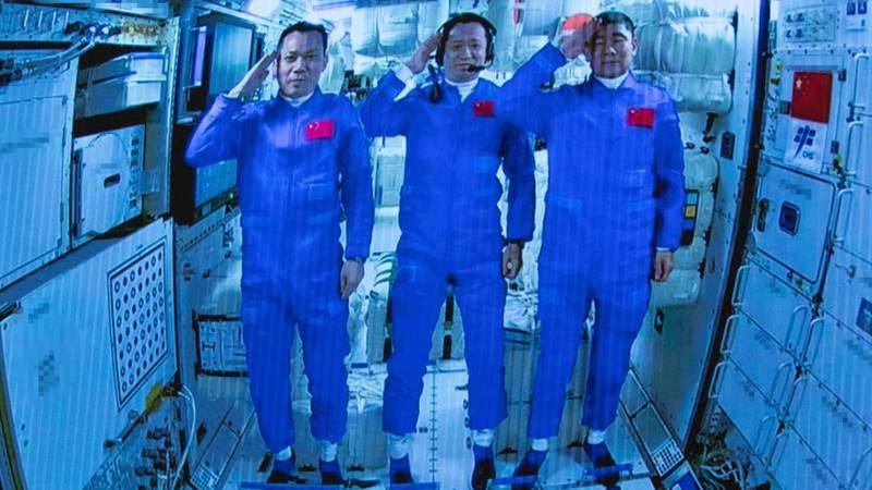 GLOBALink | China's Shenzhou-12 astronauts enter space station core module