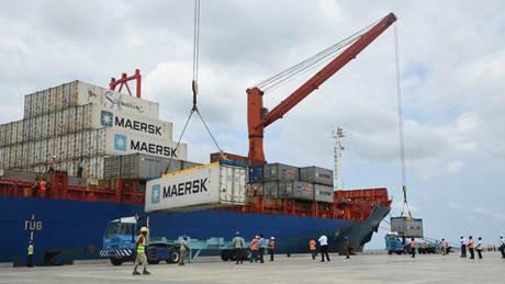 Kenyans upbeat as Chinese-built Lamu port becomes operational