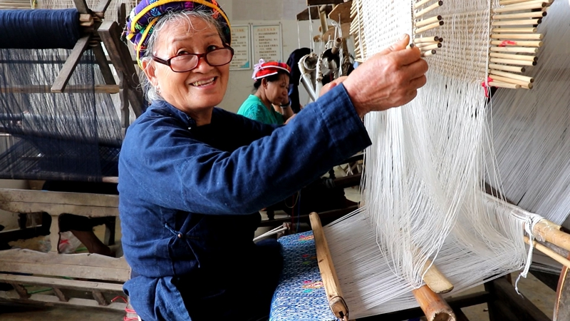 China's ethnic brocade weaves dreams at home, abroad