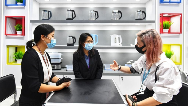 In pics: foreign buyers at Canton Fair