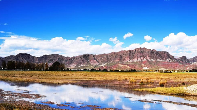 Autumn scenery in Lhasa, Tibet
