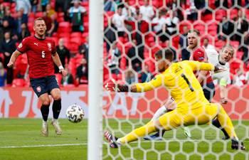 England beat Czech Republic to top group, Croatia reach Euro 2020 last 16