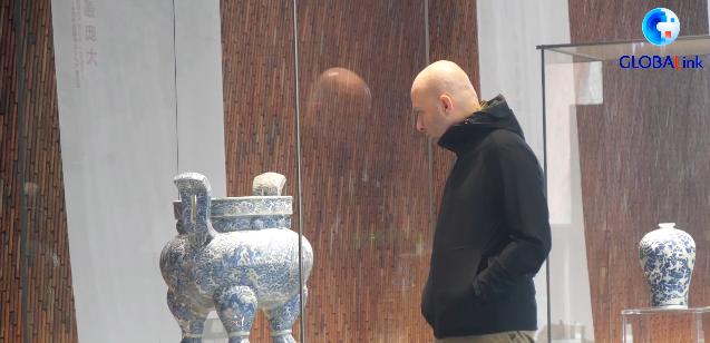 GLOBALink   Turkish ceramics artist's fruitful life in changing porcelain capital