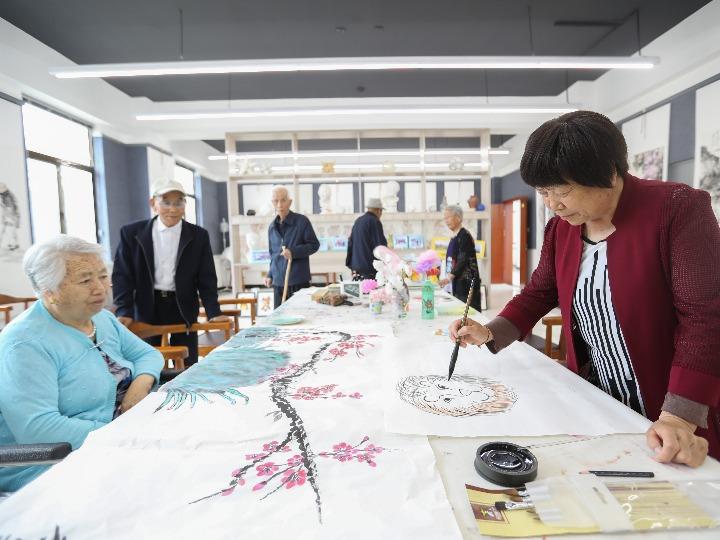 GLOBALink | Visiting a nursing home in northwest China's Gansu