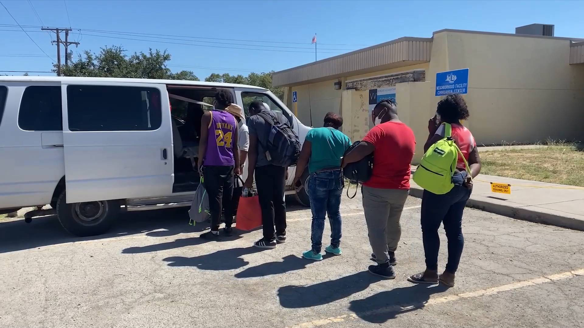 GLOBALink   Camp of nearly 15,000 migrants in U.S. Texas border town cleared out