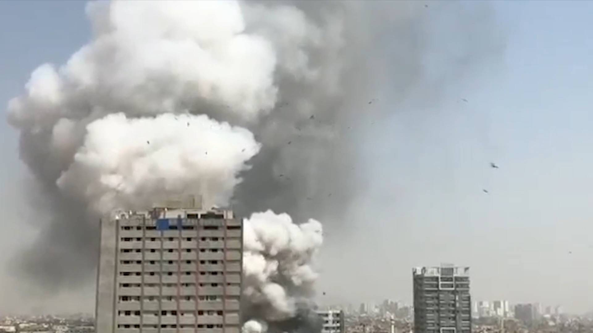 GLOBALink   Fires cause casualties in Pakistan
